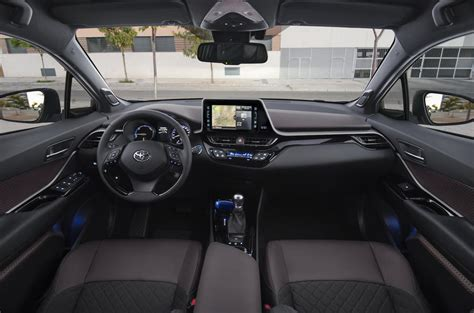 Toyota Chr Hybrid Picture by 2017 Toyota C Hr 1 8 Hybrid Review Autocar