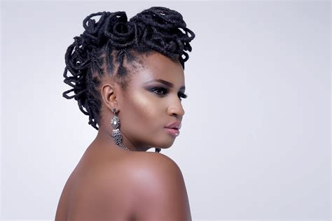 Whether you want to style them for a professional look or channel your inner rockstar, there is a host of hairstyles for dreads to choose from…so have fun! Dreadlocks Styles For Ladies 2019 / Dreadlocks hairstyles ...