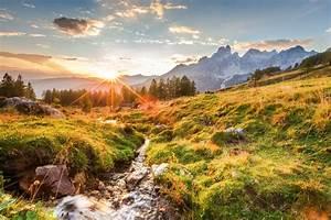"""Berglandschaft """"Sonnenuntergang auf der Alm"""" auf Leinwand & Poster bestellen"""