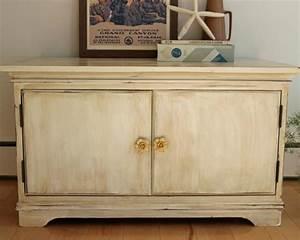 How to Distress Furniture how-tos DIY