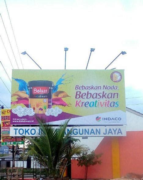 advertising konstruksi merchandise percetakan