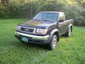 Purchase Used 1998 Nissan Xe Short Bed 4wd Frontier Light Pick Up  In Hinesburg  Vermont  United