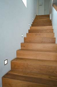 Treppe Im Wohnzimmer : holz und beton parkett treppe pinterest ~ Lizthompson.info Haus und Dekorationen