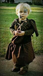 DIY Halloween Costume: Toddler Braveheart • Craft Thyme