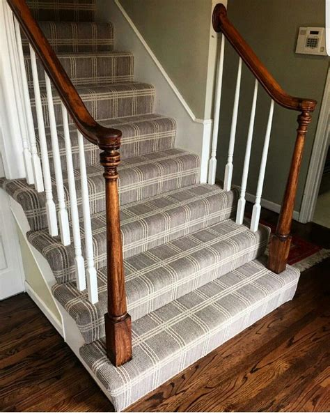 kitchen cabinet lowes 1000 images about stair runners on carpets 2601