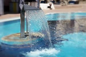 Lame D Eau Bassin : lame d 39 eau bassin bien choisir votre d versoir ooreka ~ Premium-room.com Idées de Décoration