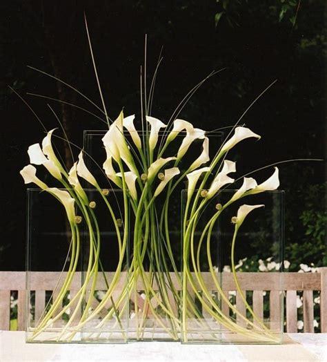 modern calla lily arrangement bodas pinterest