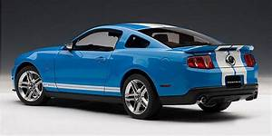 2010 Ford Shelby Mustang Gt500 Diecast Model