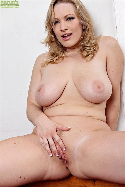 Busty Blonde Milf Vicky Vixen Undressing For Spreading Of Pink Pussy Wet Milf Pussy