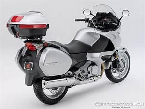 Honda Nt 700 : 2010 honda nt700v photos motorcycle usa ~ Jslefanu.com Haus und Dekorationen