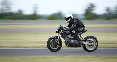 Suzuki Sv650 Cafe Racer by Suzuki Sv650 Caf 233 Racer Bikebrewers