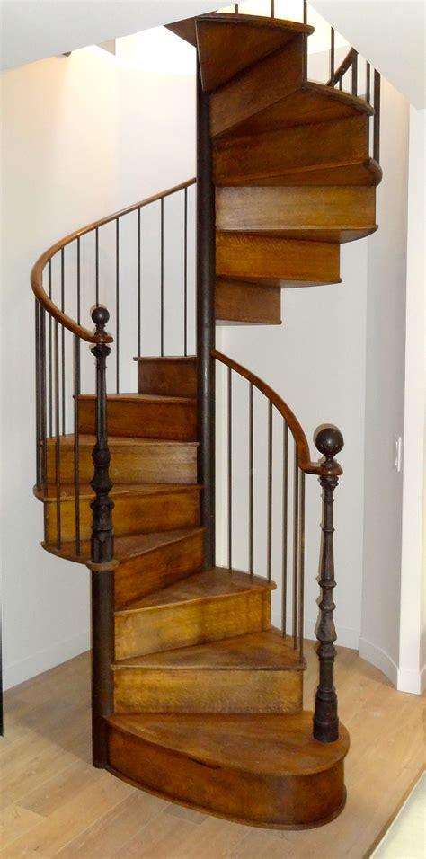 escalier colimacon ancien maison design deyhouse