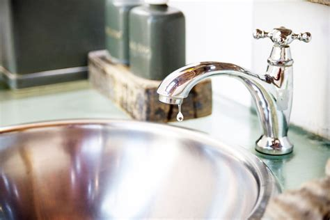 How To Fix A Dripping Kitchen Faucet From Manual