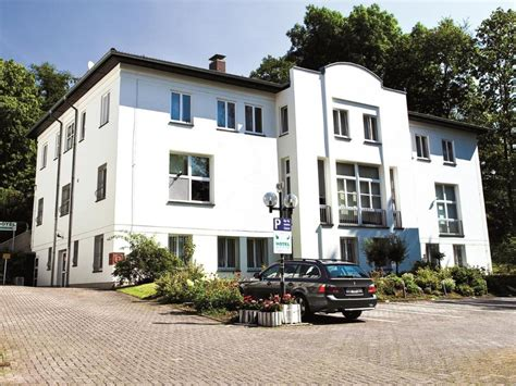 Best Price On Hotel Haus Am Park In Bad Homburg Vor Der