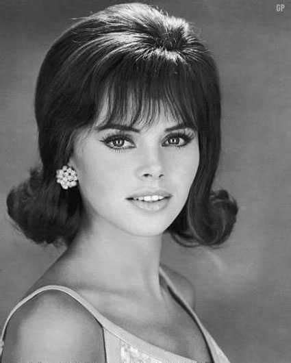 How To 60s Hairstyles by 1960s Hairstyles Top 10 Best Haircut Of 60s Era 1960 S