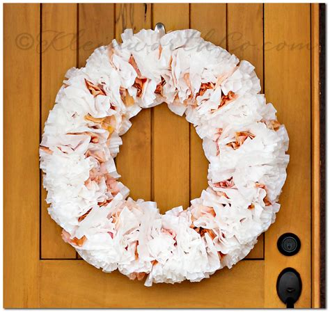 It's the perfect activity for the 30 minutes it takes me to throw dinner together in the late afternoon. Coffee Filter Wreath {Tutorial} - Kleinworth & Co