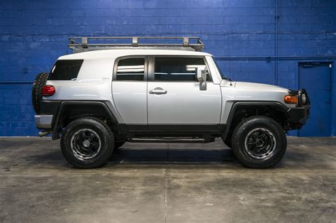 toyota cruiser lifted used lifted 2008 toyota fj cruiser arb crawler edition 4x4