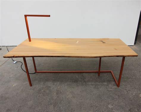bureau et chaise big chief bureau et chaise par tamim daoudi et epi studio