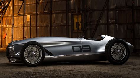 infiniti rewrites history  retro prototype  racer