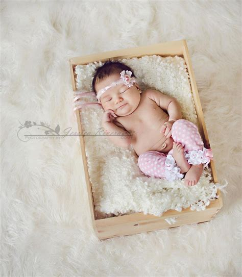 awwsuch  sweet  month  baby photo prop ideas