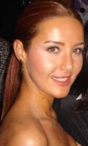 Hümeyra was shot dead on december 8, 2018 in the bicycle shed of her school, the rotterdam desingcollege. Hümeyra Aydoğdu Resimleri - Sinemalar.com
