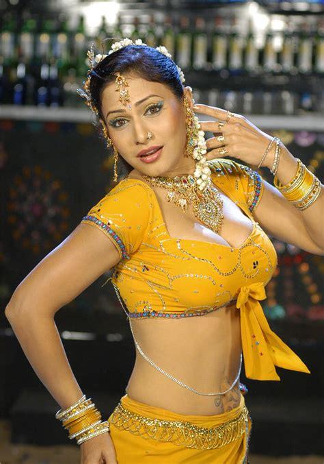 Bengali Sexy Nude Saree Remove Pics साड़ी वाली मम्मी की