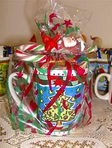 Easy, Christmas, Gift, Mug, U00b7, How, To, Make, A, Gift, Basket, U00b7, Decorating, On, Cut, Out, Keep