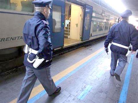 Treni Pavia Centrale by Voghera Aggredita In Treno La Salva Un Vigilante