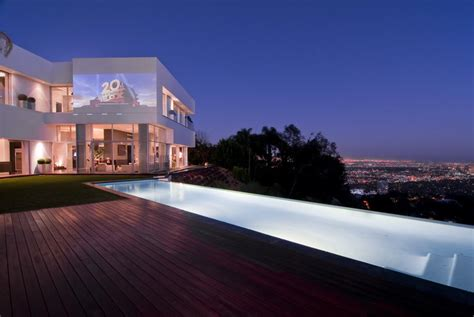 A Modern California House With Spectacular Views : Spectacular Home In Hollywood