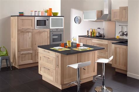 couleur tendance cuisine cuisine blanche mur bleu inspirations et couleur meuble