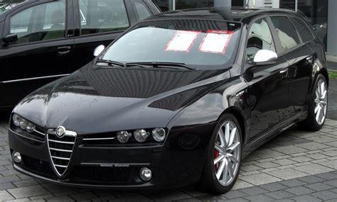 Alfa Romeo 159ti Sport Wagon Front.jpg