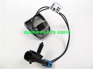 2009 2011 Chevy Traverse Rear License Plate Lamp W Wiring Genuine Brand New