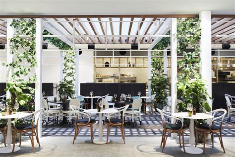 Kitchen Chairs Gold Coast by Local S Guide Outdoor Dining On The Gold Coast