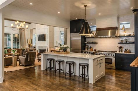 Cape Dutch style home in Tennessee opens to stylish interiors