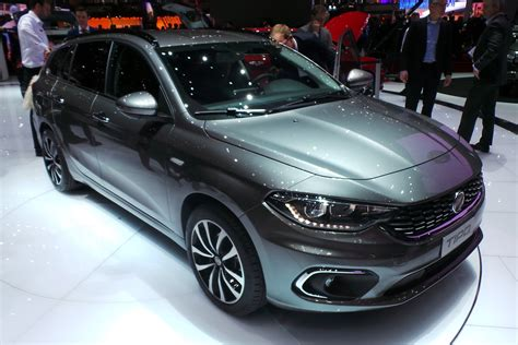 New Fiat Tipo Hatchback To Start From 12995 Auto Express