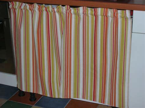 rideaux pour placard de cuisine mobilier table rideau pour placard cuisine