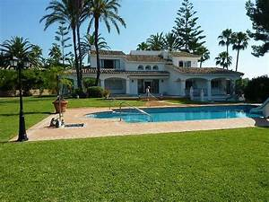 Nice House With Swimming Pool