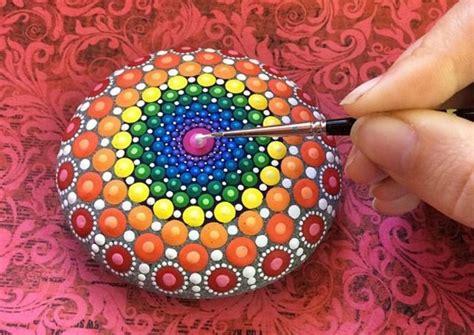 steine bemalen  ideen fuer eine wunderschoene diy dekoration