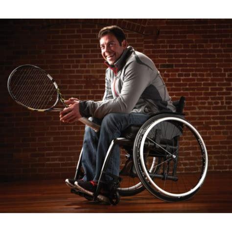 fauteuil roulant ultra leger fauteuil roulant pliant ultra l 233 ger v 233 loce motioncomposites la maison andr 233 viger