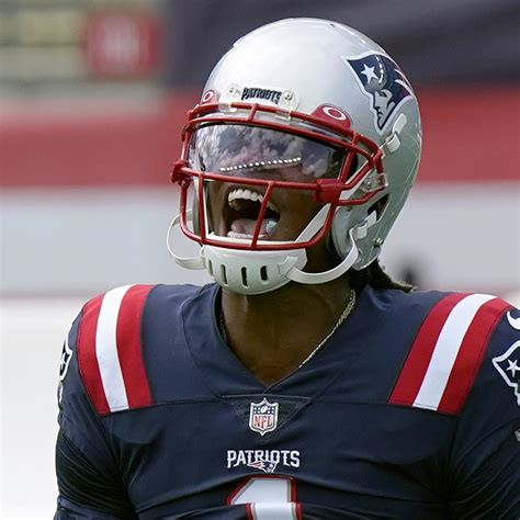 Cam Newton Shines as Patriots Beat Dolphins in 1st Game ...