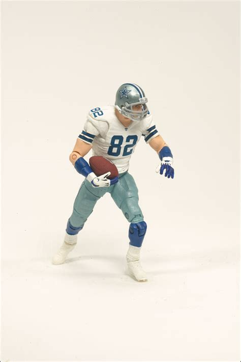 mcfarlane reveals nfl playmakers wave  loose  carded