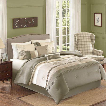 better homes comforter better homes and gardens jelissa 7 bedding comforter
