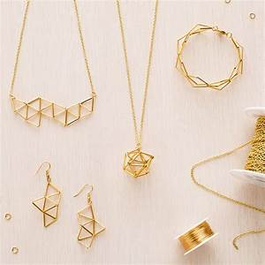 10 Dainty Jewelry Pieces for the Minimalist Lover