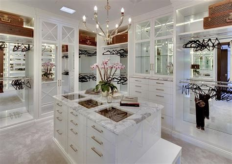 Luxurious Closet Designs