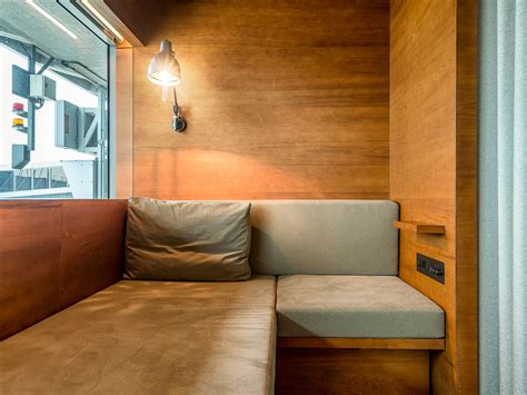 cathay pacifics  pier  class lounge update day
