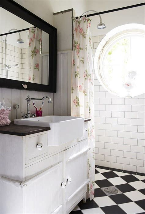 Black And White Bathroom Tiles 2017  Grasscloth Wallpaper