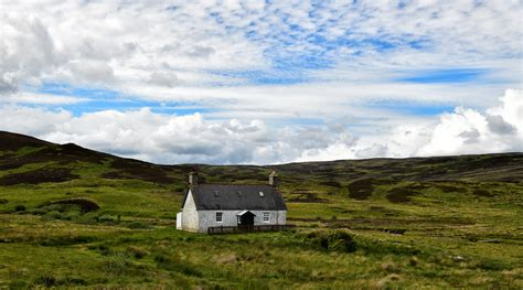 Lonely Cottage Nr Loch Buidhe | Lonely Cottage, I love ...