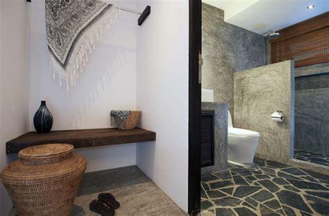 rock tiles floor on the rustic bathroom interior