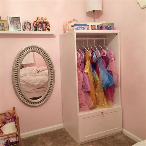photo  kids dress  wardrobe closet
