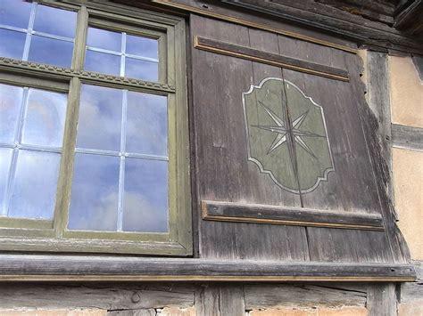 Fensterlaeden Praktische Zierde Fuers Haus by Schiebel 228 Den Und Schiebefenster